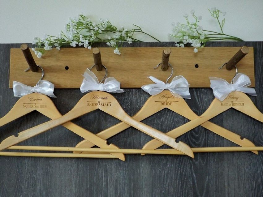 Personalised Wooden Bridal Wedding Hangers Set of 10 with Bow - Heart